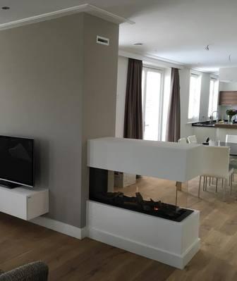 Mooie roomdivider tussen woonkamer en keuken - Opening tussen keuken en eetkamer ...